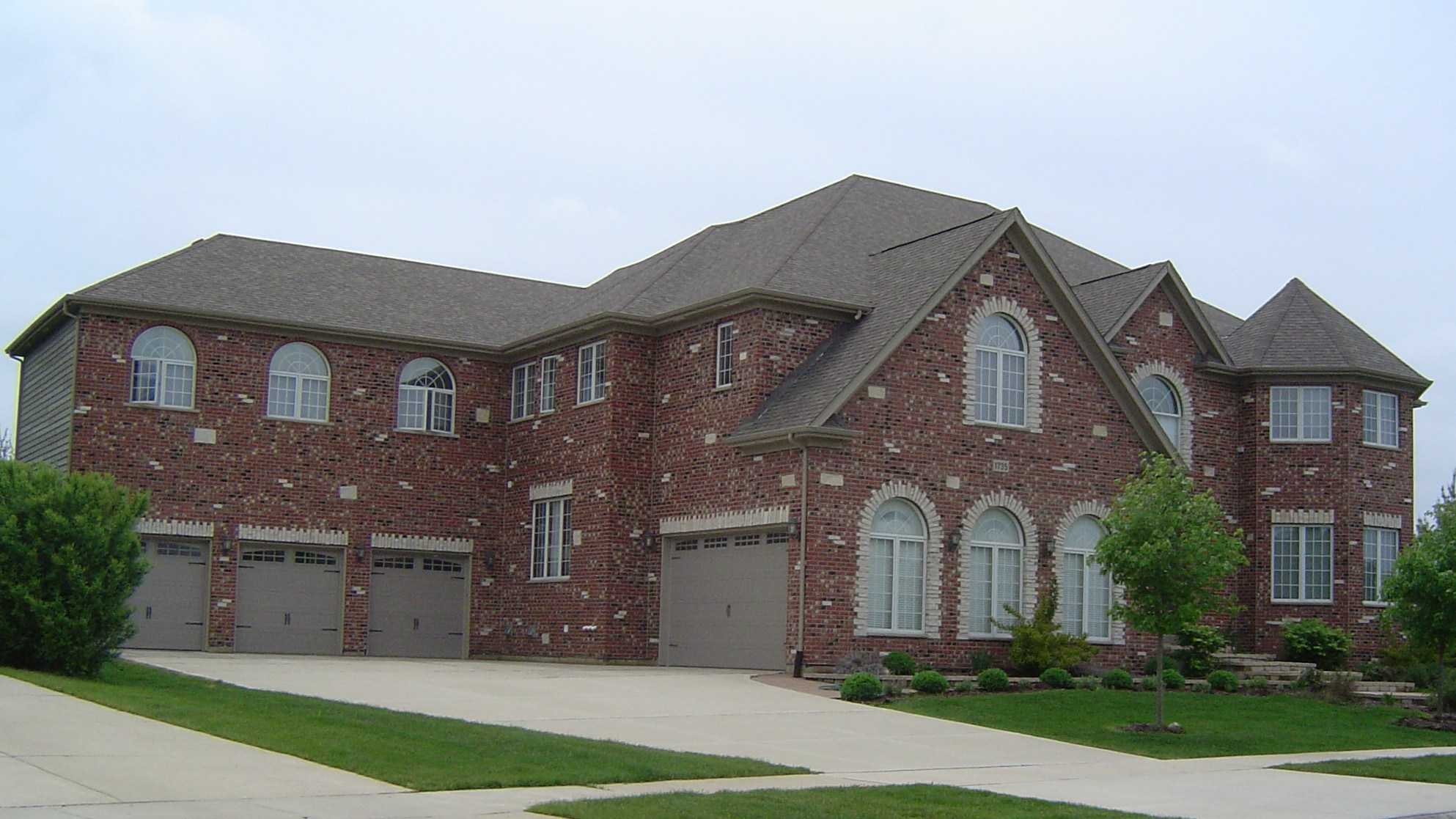Dirilten builders naperville custom home builder for Modern homes for sale chicago